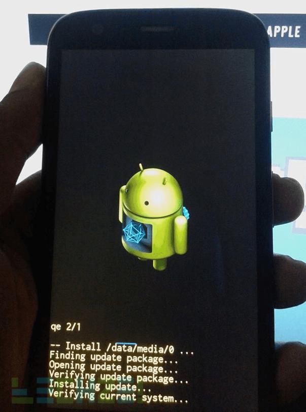 installing-update-moto-g-kitkat